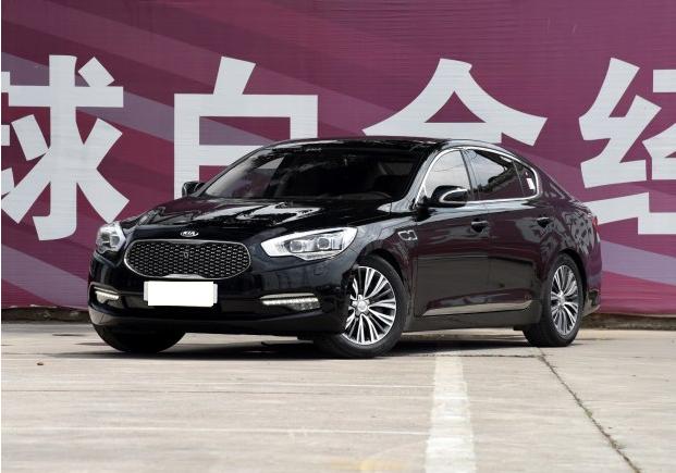 召回范围:   自2016年5月27日起,召回2014年2月14日至2015年9月8日期间生产的部分进口2015款起亚K9车型。据该公司统计,在中国大陆地区共涉及19辆。   召回原因:   本次召回范围内的部分起亚K9车辆,在组合开关的大灯控制开关长时间固定在AUTO(自动)模式上使用时会引起开关触点的间歇性的瞬间接触不良,行驶时大灯会出现瞬间的闪烁情况,存在安全隐患。   解决办法:   本次召回范围内的部分起亚K9车辆,在组合开关的大灯控制开关长时间固定在AUTO(自动)模式上使用时会引起开关
