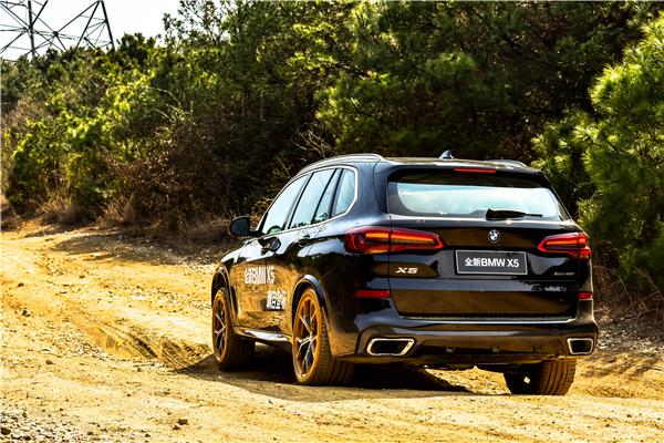 想在泥里撒点野 全新BMW X5苏州媒体私享会