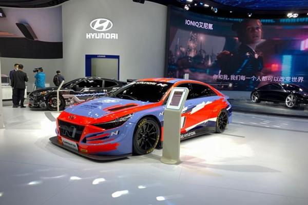 2020进博会:现代伊兰特N TCR赛车首发