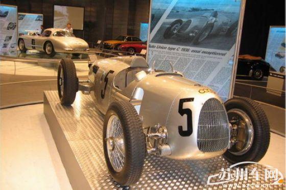 特别是1935年到1938年之间,由斯图克,不朽的传奇赛车手伯恩德罗森迈尔