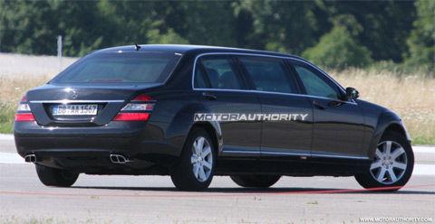照 2010年奔驰S级前脸提升版加长豪华轿车