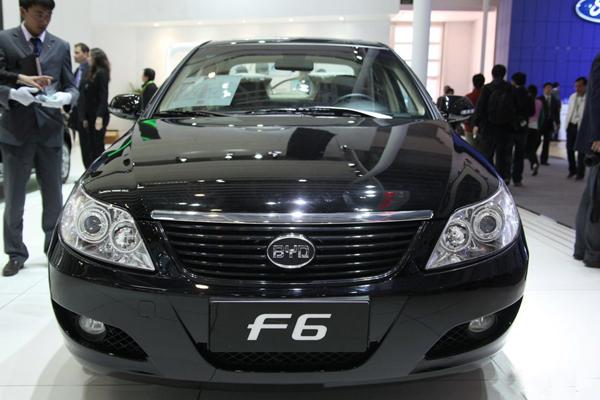 在动力上装备了排量为0.87L的东安dA462-1a发动机,   福莱尔 PK F6  高清图片