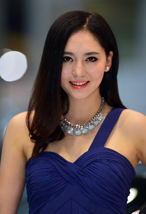 2013广州车展108张美女车模 竖