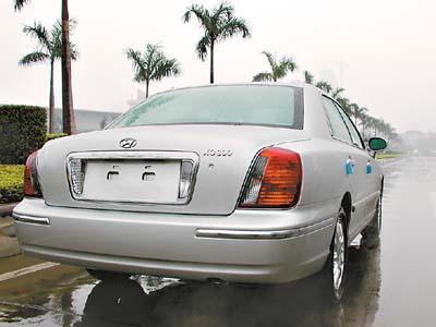 现代君爵是现代制造的首款入门级豪华车,体现了现代较高的...